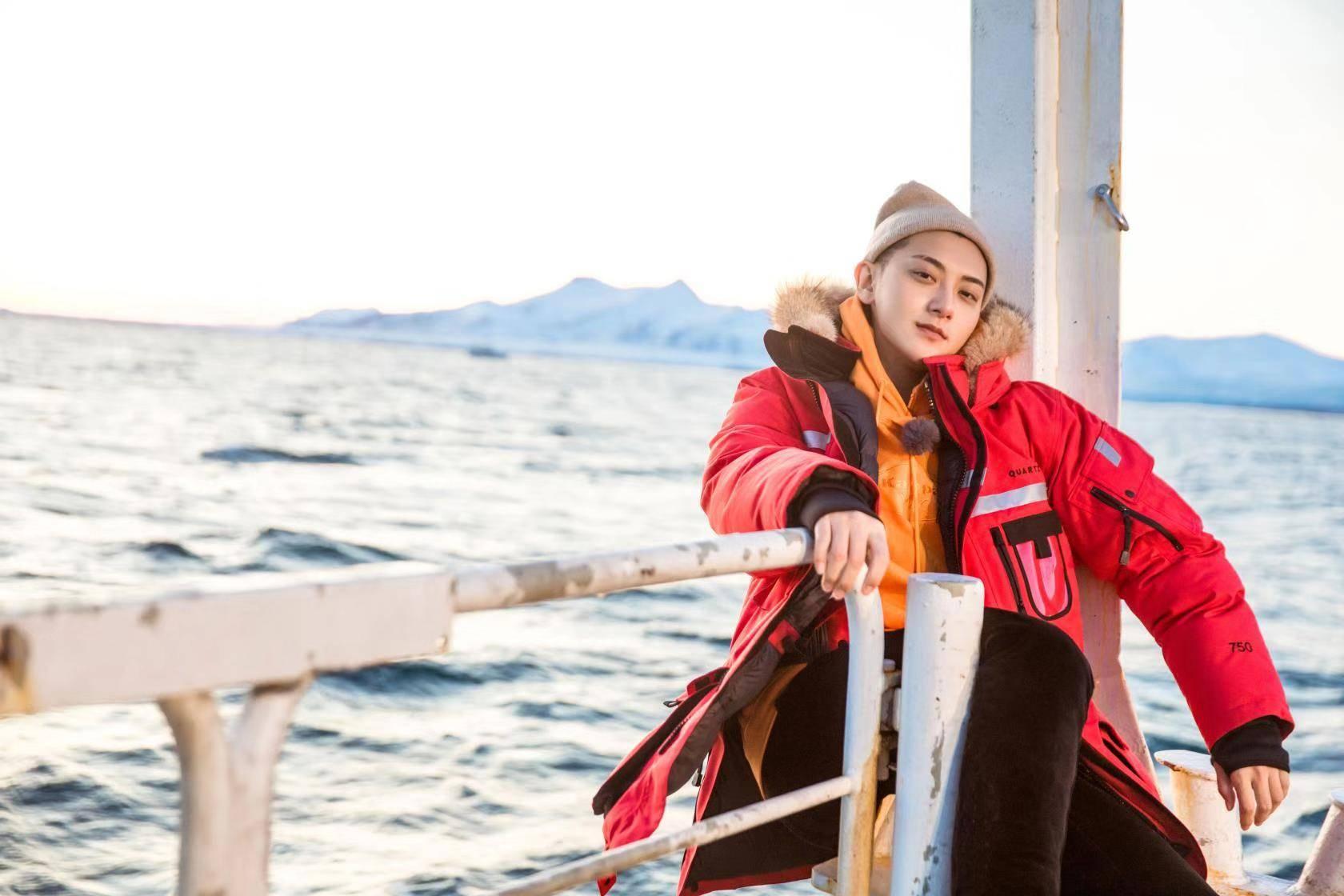 黄子韬号召保护极地冰川 《小小的追球》欢笑与感动并存